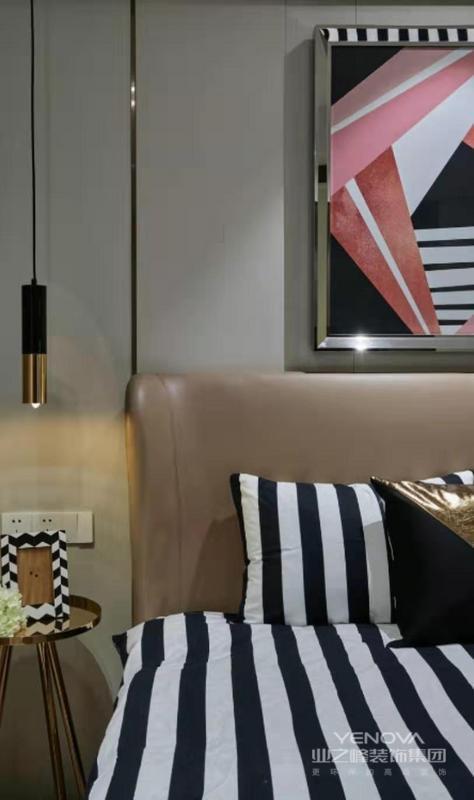 不同的图案与装饰,丰富了整个家里的色彩