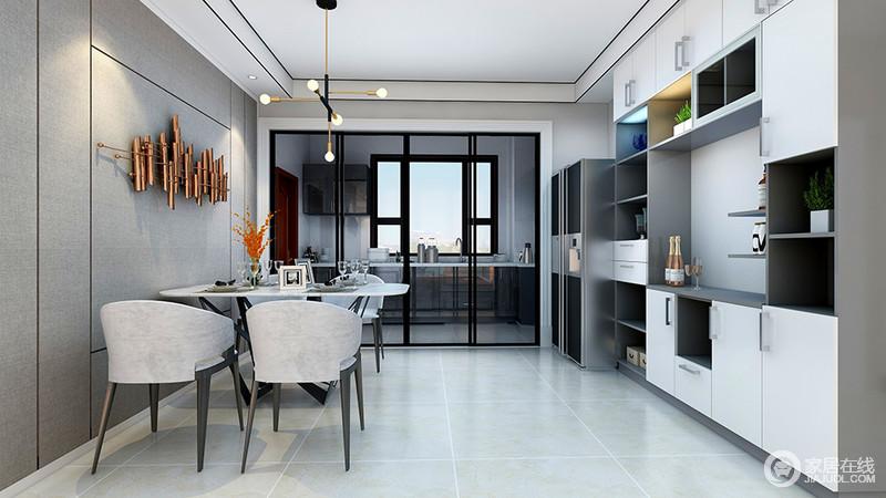 餐厅与厨房通过金属黑框玻璃推拉门区分,既让空间分明,又不影响采光,窗明几净;灰驼色布纹壁纸与米白色地砖以色彩反差构建空间层次,而白色和灰色板材定制得收纳组合柜解决了生活的储物问题,也更为得体利落;金属墙饰颇具工业感,与简约风的吊灯给空间带来工业时尚,搭配白桌和灰色椭圆形餐椅,让空间散发着都市质感。