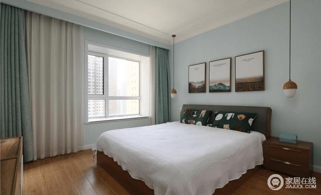 空间以浅蓝色为主,与墙面同色系的窗帘,再搭配浅色系的床品,显得更有层次感和质感,整个房间格外简洁清新;镶入式衣柜在方便生活的同时也节省了空间面积,利用墙面刷出的浅绿色漆,带出文雅独特设计感。