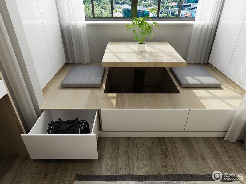 榻榻米的设计,增加了空间的收纳性,让储物也变得更为哲学化,小空间具有大智慧。