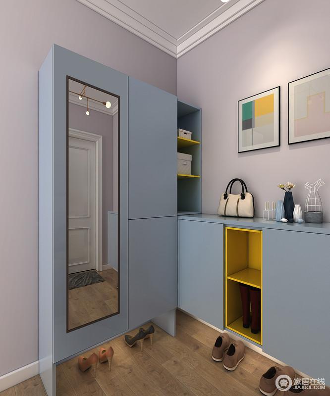 转角柜可存放大量家用工具,户外玩具等,为三口之家提供随用随取的小型仓库。