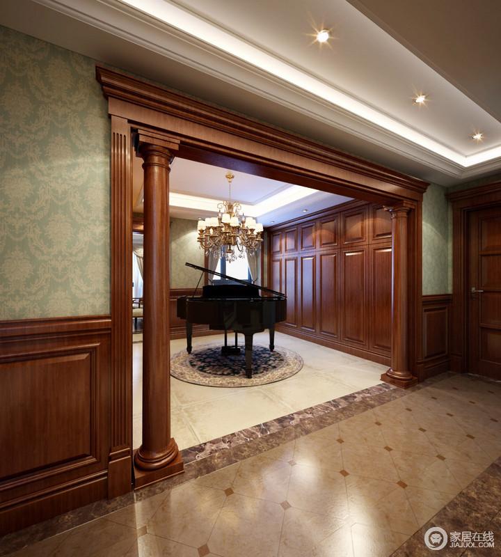 休闲室给予钢琴足够的空间,开放式布局将琴音响彻整个空间;仿旧的古砖带着美式乡村风留驻于空间,朴拙、耐磨,质量上乘。