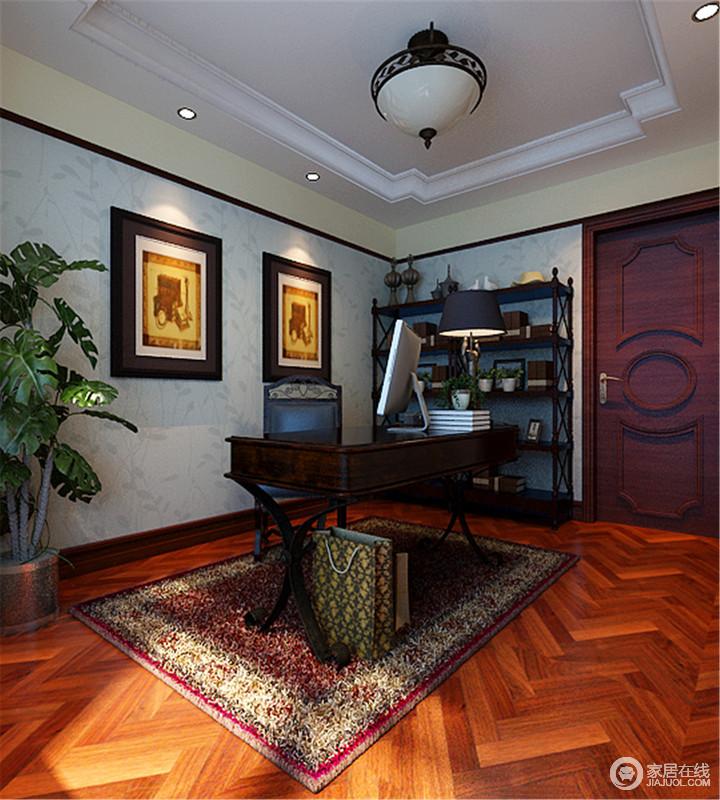 书房以简单实用为主,原木地砖铺贴成了波纹效果,以动感带你感受自然魅力;浅蓝色壁纸的清灵缓解了美式胡桃木书柜、书桌的深沉,以实用让生活更精致。