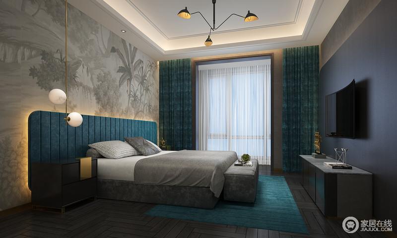 作为私密空间,卧室的设计要在功能性和美观性之间找到平衡,给主人一个更为舒适的生活;高级灰与孔雀蓝低调沉静的结合,带动极具韵律的空间波动,高贵清冷间带着温婉娴静的气息,在柔和的光线与金色灯饰点缀中,形成想不到的优雅。