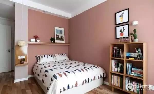 卧室墙面用粉色装饰,显得很温馨,床头背景固定一块层板,可用来放些装饰物。