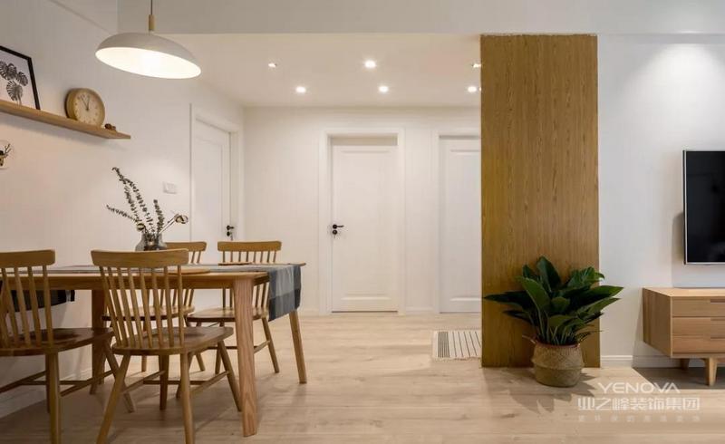 今天带来一个112平的北欧案例,房子是3室2厅的格局,浅淡的色彩、洁净的清爽感,让每一个细节的铺排,都呈现出令人感觉舒适的气氛。