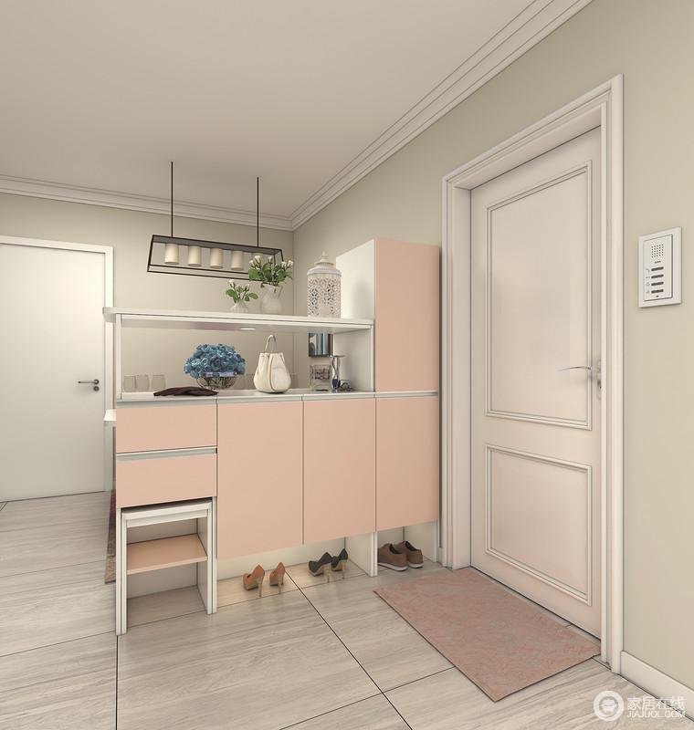 高低柜组合,将空间有效分隔,换鞋凳可收回隐藏,侧挂式衣柜,与挂衣区和鞋柜分开。