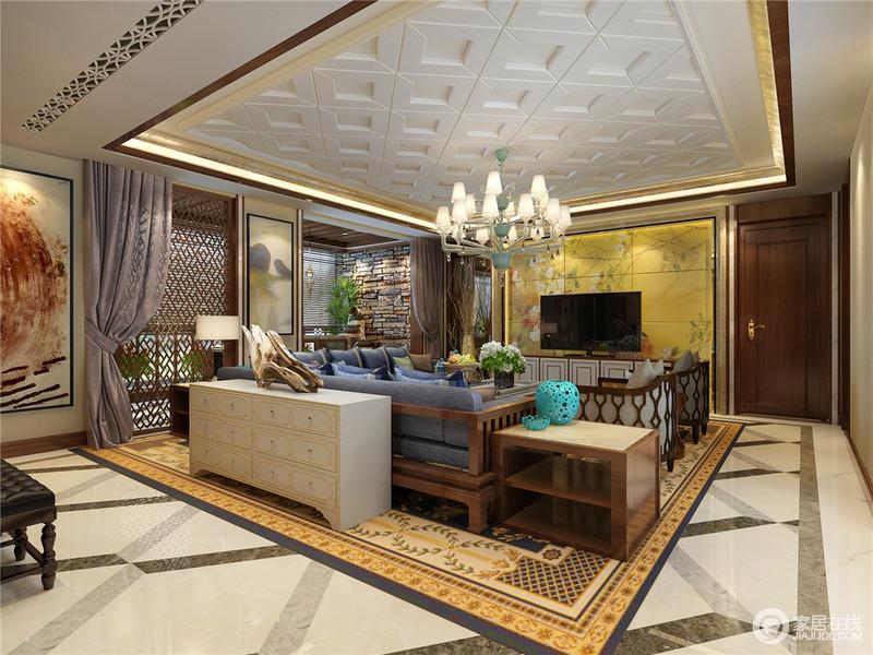 客厅因为石膏雕花的设计和灯带装饰倍显恢弘,背景墙的黄色花卉图张扬了东方时尚,与新中式沙发、木屏风隔断张扬中式艺术;欧式水晶灯和边柜等与之混搭,东西方设计元素的运用,更显精致。
