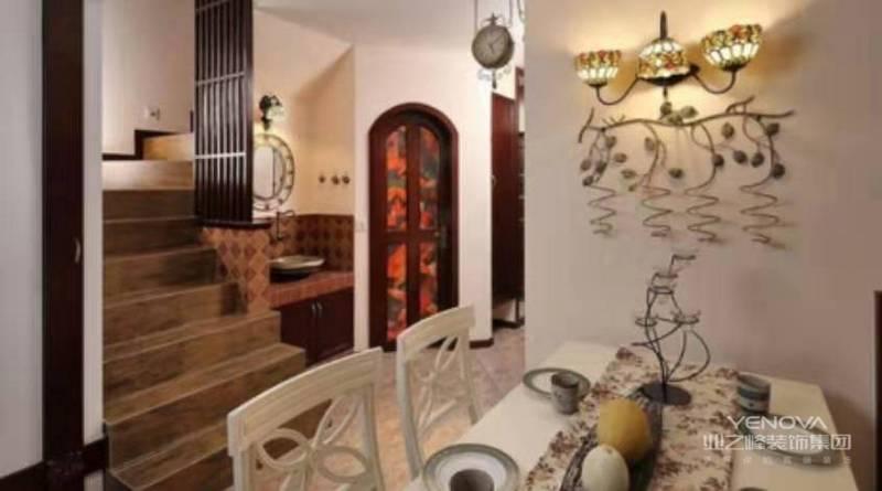 餐厅与客厅区域设计风格统一,区域共通。简洁的地中海风格给人清新优雅的感觉