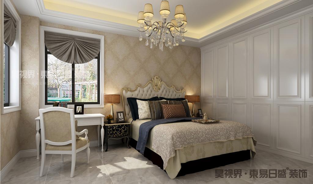 对材料的考究,才让这个居室更加具有原汁原味的传统与奢华风格,高贵、典雅又不失浪漫气质。