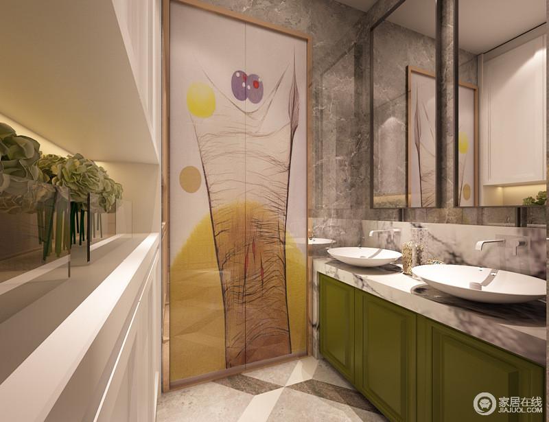 卫生间动线背景墙面上,饰以香槟金镶框的大幅装饰画,抢眼夺目;大胆使用的绿色盥洗柜与白色台面、灰色背景墙和谐配搭;盥洗台对面的上下柜,用于日常盥洗物品的隐形收纳。
