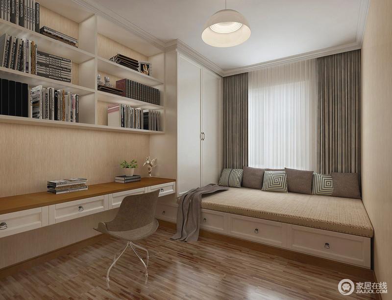 浅驼色的墙面与细腻肌理的木质地板,搭配出空间的温馨感,而书卧一体的设计,则大大增强了空间的功能,使小空间有大作用。