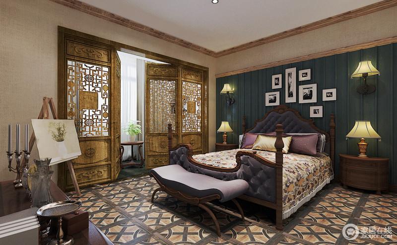 卧室开放式自由,多元素的设计,赋予生活更多美学上的精彩;绿色背景墙因为黑白画作装饰出现代精致,对称的美式 家居裹挟着美式实木床,考究复古,与中式木雕门、几何地毯,装饰出家的东方华贵,混搭出奢华大气。