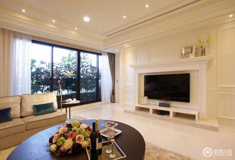 客厅家具采用了现代感强烈的家具,使其表现的简单,抽象,明快现代感强。