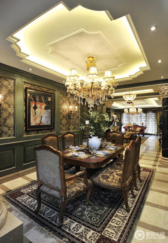 餐桌的设计十分大气和奢华,绿色的墙面带着清新与雍容,让空间别具一格,而米色几何砖与灯光交相呼应,让空间暖感十足,新古典实木家具与装饰和欧式有异曲同工之处,华丽感十足。