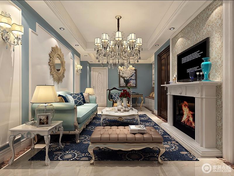 客厅电视墙与入户门相连,设计师做了壁炉造型,增加空间上的设计感;墙面漆刷成浅蓝色,与沙发及地毯色调形成层次;优雅的配饰点缀其间,空间富有典雅腔调。