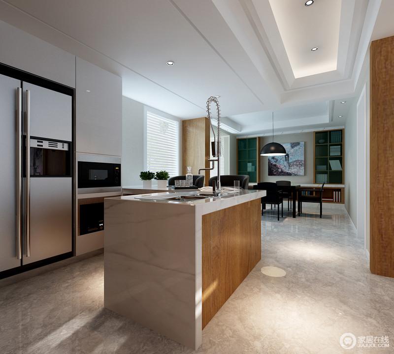 厨房通透的西厨并没过多的做一些多余设计,白色橱柜搭配岛台,足够实用,利落地成就着主人的烹饪生活。