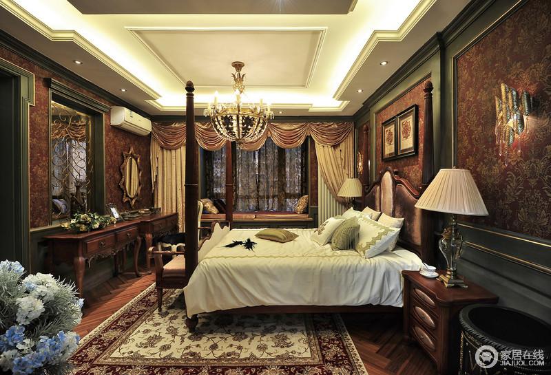 卧室结构规整,却因为家具陈列和配饰而多了古色古香的味道,大床两边扇贝性状的台灯十分具有设计感,让人想要沉睡在这古典气息的设计风格之中,梦回古罗马的欧洲。