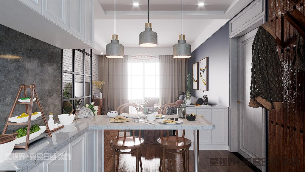 在吃饭时吧台可以作为一个大的餐桌来使用,在备餐做饭时吧台又是厨房台面的延伸。增加橱柜台面的可利用空间。