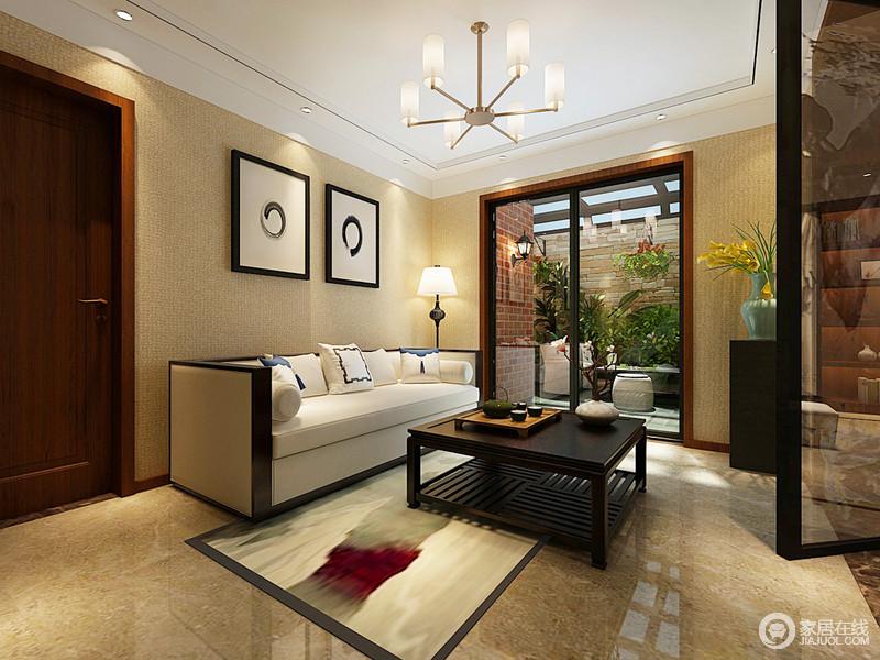 休闲室以淡黄色为主,搭配米色地砖,温暖着生活中的主人;留白的挂画给墙面一种东方意境,新中式家具以不同的质感塑造生活的精致。