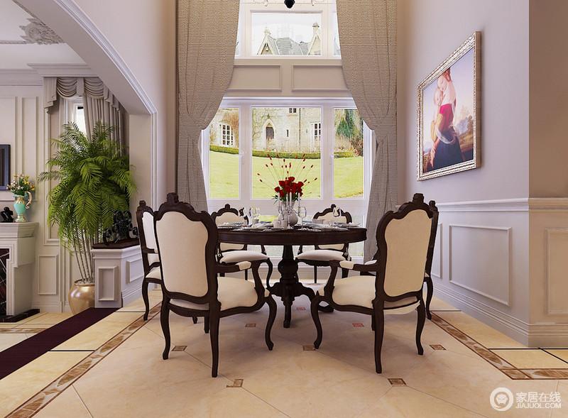 餐厅与客厅以墙体结构自然分区,灰色与白色拼接式设计给素净的空间一份动律;米色仿旧色的地砖以不同的几何设计彰显美式朴质,美式复古的餐桌椅组合带来尊贵感,让就餐也是一种享受。