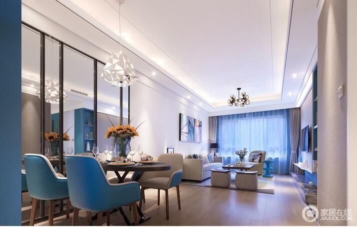 餐厅与客厅之间并未设计明显的隔断,保持了空间的通透性,便于日常的交流沟通;在色调上,餐椅与局部背景墙面呼应了客厅的清爽蓝和灰白,使两厅空间愈加显得活力清爽;背景墙饰以大面积镜子,让简约舒朗的空间愈加雅致开阔。