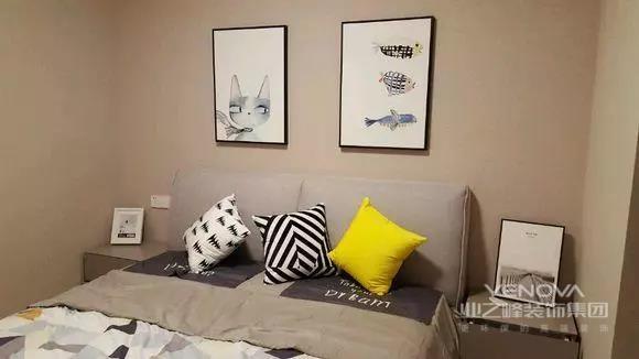 客厅,整体给人带来温馨舒适的感觉。没有做背景造型,简洁大方就好。