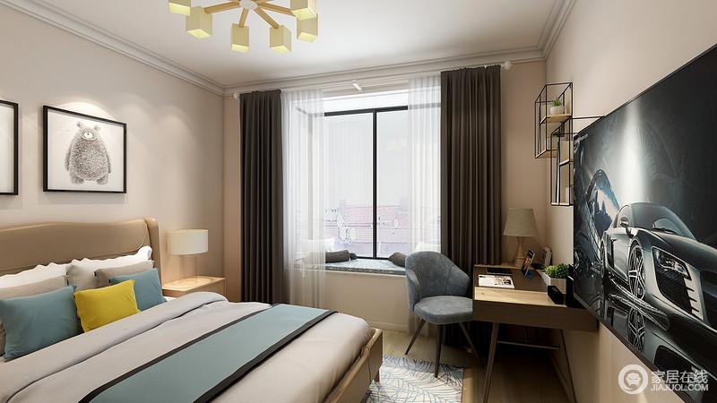 卧室粉刷了驼色的漆,空间素雅而不失温度,搭配简约实木柜更有厚实感;飘窗的设计化解了生活的单调,深褐色窗帘搭配蓝色和灰色的床品,让生活多了色彩感,简单却充满温馨和悦。