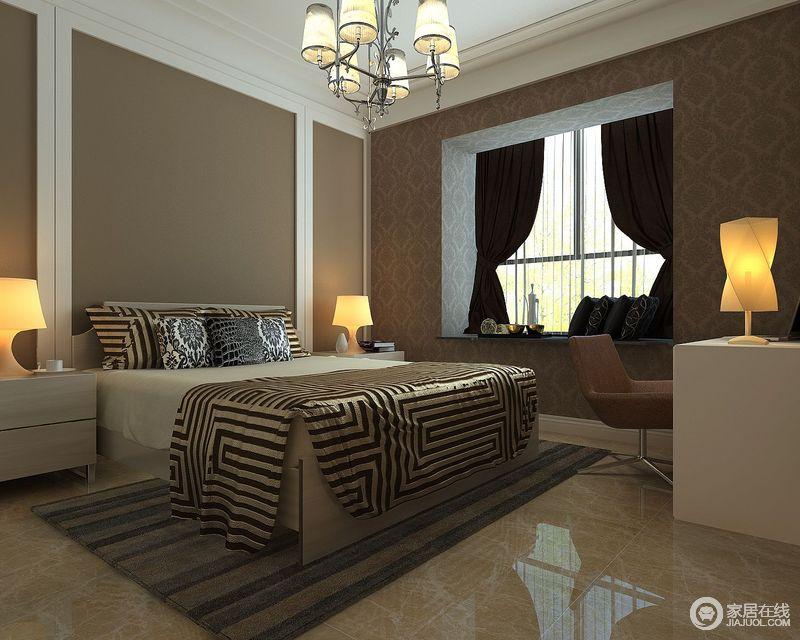 卧室以褐色为背景墙着色,与白色的石膏结构形成强烈的几何感,整个空间软装上的色彩较为中和沉稳,而白色的家具,黑色窗帘,搭配其间,构成一份成熟和温馨。