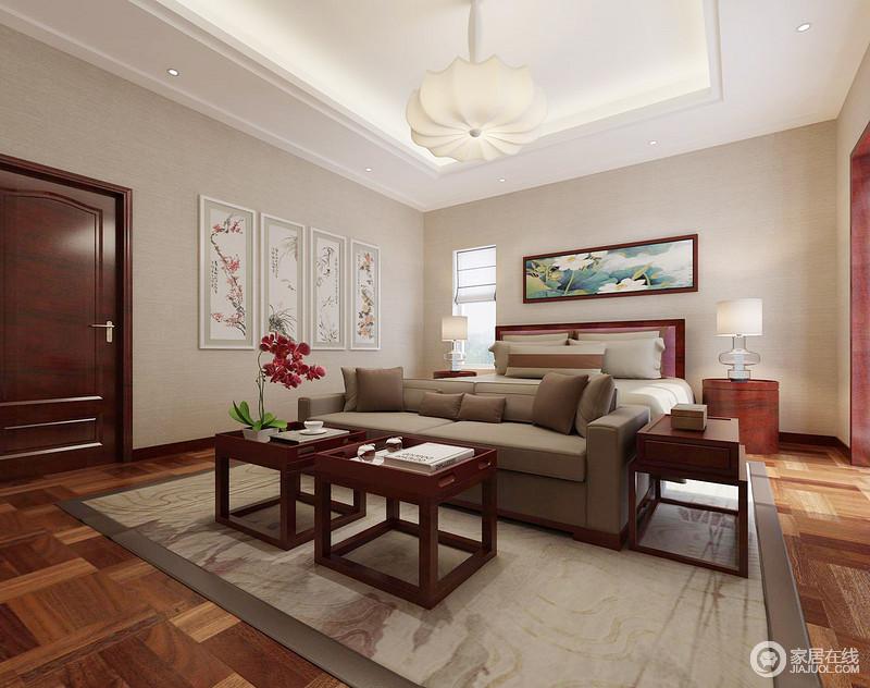 卧室线条规整,吊顶内隐藏的台灯搭配现代花式吊灯,满是通明和温和;浅驼色的漆,搭配灰褐色沙发、地毯,让空间具有色彩层次,十分沉稳,而中式挂画的清韵,点缀出艺术和气,让家十分温婉。