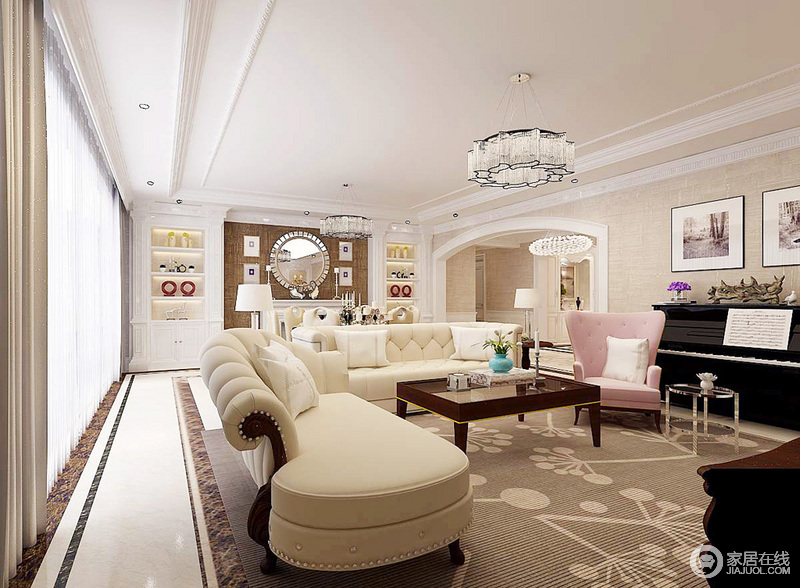 空间布局上十分规整,驼色壁纸与白色的框线构成利落感,而地砖黑线的勾勒,令空间具有线性艺术;米色调的沙发作为空间的重心,四周的家具和饰品围绕出了美式生活的温馨和精致。