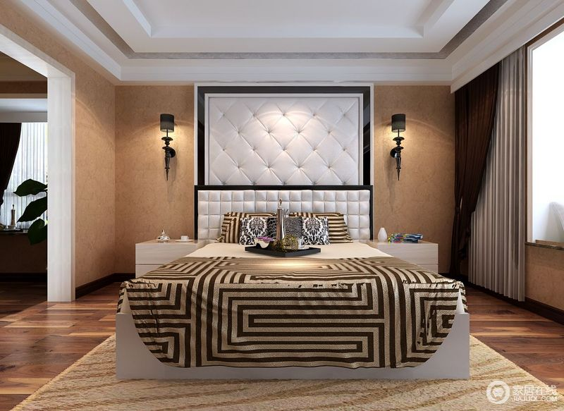 卧室以赤褐色粉刷背景墙,提升空间温度之外,还与褐黄色的地板形成色彩上的相和,颇为复古;黑白相间的软包背景墙因为黑色铁艺壁灯装饰出了精致,而金色和黑色线编织成的床品,张扬生活的华丽。