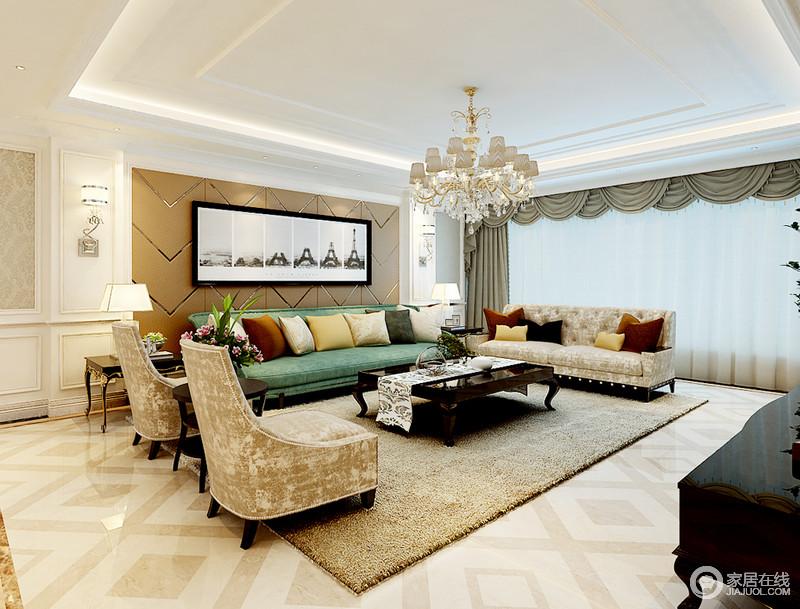客厅线条利落,并没有太繁复的设计,力求以较为简洁的方式,衬托欧式家具的典雅、大气;米灰色回字纹砖石、棕黄色波纹线背景墙,调和出了温和,绿色沙发搭配土色沙发、地毯,既让空间有沉淀感,又不失生活的清灵。