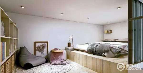 室内的loft隔层被设计为儿童起居专区,楼板部分全部采用木材铺贴;设计师通过床榻高度差作为动静区的划分,东侧半部作为日常休息的空间,西侧则作为学习和休闲活动区域,搭配展列柜,满足儿童的日常使用物件收纳需求。