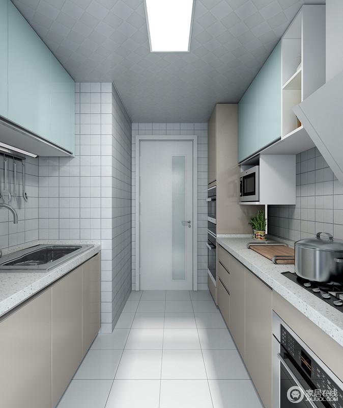 电器高柜的使用不仅合理的利用了厨房空间,同时也增加了厨房的收纳空间。嵌入式的烤箱、蒸箱以及消毒柜的使用,节省了厨房空间也为美食的制作提供了便利。