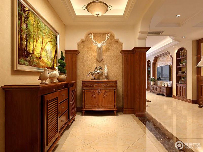 入户角度入门处采用隔墙,多了天然的野性玄关柜和艺术画的装饰,让整个门厅空间变得更有美式风情。