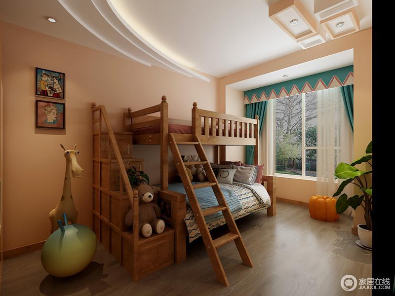 儿童房使用了暖色系中最温暖的色调,是欢快活力的明媚色彩。木质的上下床环保稳重,一侧的阶梯打造出儿童上上下下的乐趣。蓝色的窗帘上装饰一行拼色三角,点缀出活泼趣味。