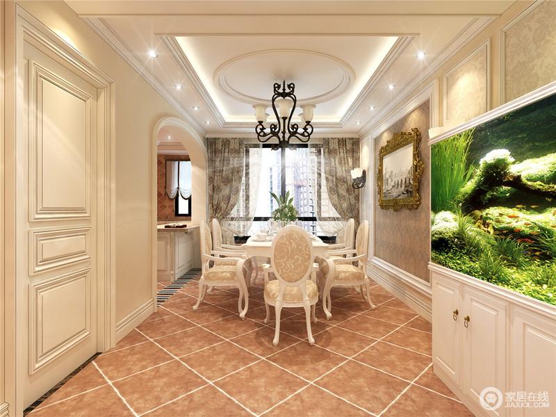 餐厨通过吧台和拱形门框区分空间,褐黄色仿旧砖以菱形的方式铺贴出了清晰的线性效果,搭配复古纹样的窗帘,衬托出了欧式家具的贵气,让就餐氛围也是美轮美奂。