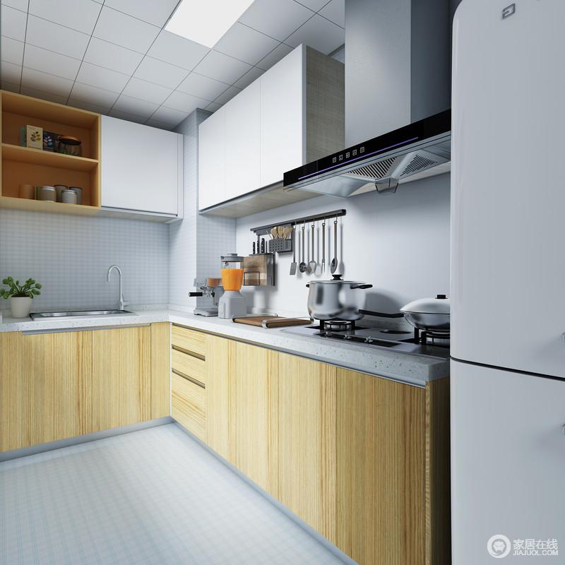 厨房柜体与户型进行合理布局,巧妙搭配,实现厨房用具一体化,空间虽小却被精心的设计塞得满满的,干净的木色让整个空间看起来十分干净。