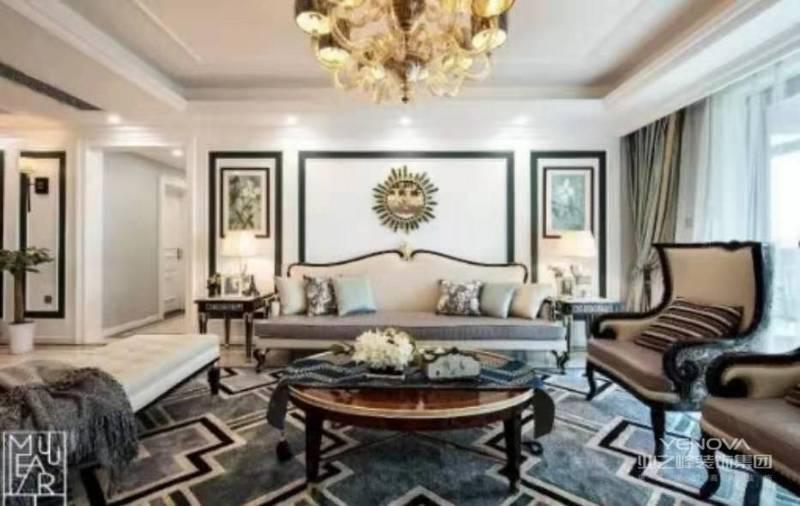 注重装饰效果,用室内陈设品来增强历史文脉特色,往往会照搬古典设施,家具来烘托室内环境气氛