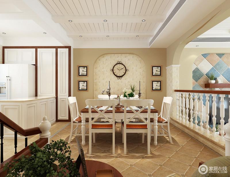 空间以白色板材装饰空间,结构上的简单,却表现了美式田园的朴质,再加上仿旧的地砖,让人生活得更为踏实;微拱形的背景墙因为装饰画对称的装饰更具生活气息,白色家具组合与之融合的恰如其分,充满了生活的温度。