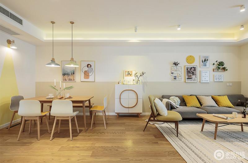 客厅做到了以简洁明快为主要特色,再加上以布艺为主的沙发,使得整个空间更加和谐。