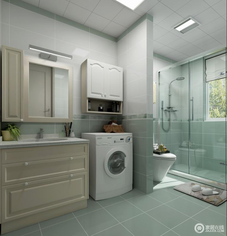 如果用麻雀虽小五脏俱全来形容这个卫生间一点都不为过,米色浴室柜+镜柜及收纳柜,解决了收纳需求;而浅绿暖色地砖和墙砖与白色瓷砖拼接的设计,让整个卫生间显得干净、清新,生活得更为舒适。
