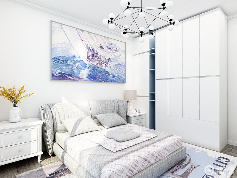 卧室整体以白色为主,营造了无陈杂的意境,白色衣柜的收纳与简美风格的床头柜混搭出生活的质感;而简约的球泡吊灯搭配蓝白的挂画、地毯,造就空间的清新。