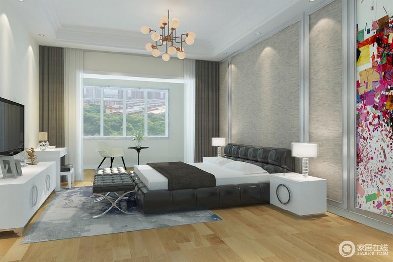卧室粉刷了米黄色漆,与原木地板让空间平和而素暖;麻灰色板材木框打造的几何设计,给空间些许造型艺术,咖色窗帘与黑白色调的床品平衡了白色家具带来的轻浮,塑造大气和温馨。