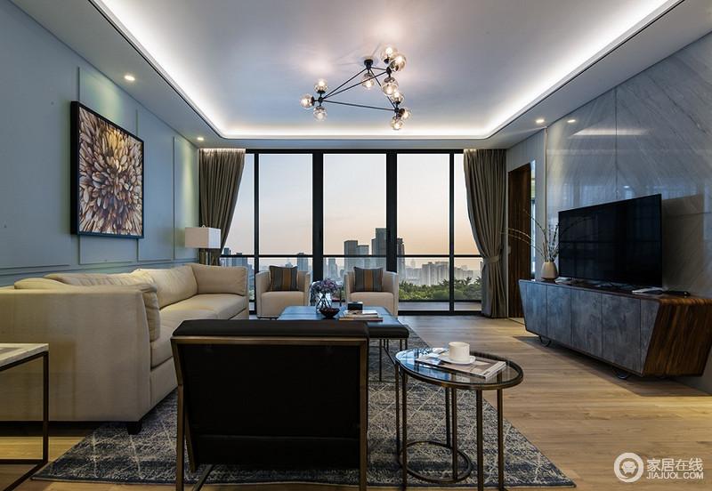 客厅简单的家具线条加上舒适的配色让整个空间更加自然舒适。