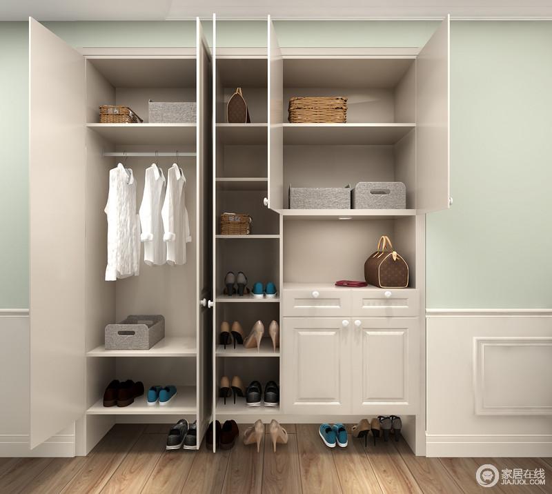其余空间划分为多格,可自由存放鞋类或整理盒,简单地挂衣区,在回到家的时候,便可以更为放松。