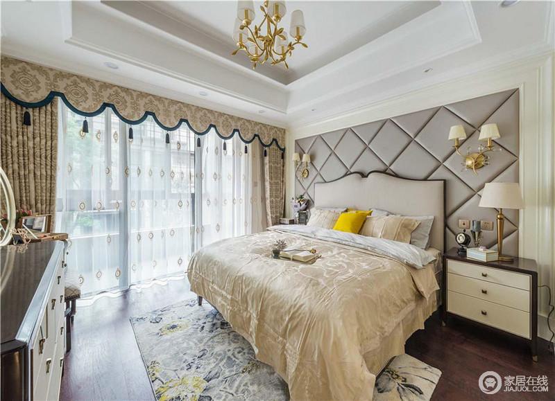 卧室薄纱的窗帘加上米白的配色,温馨浪漫,同时也张扬着小复古;灰色皮包菱形背景墙的几何之美,搭配金属壁灯,多了一份贵气,与复古家具构成空间的稳重。
