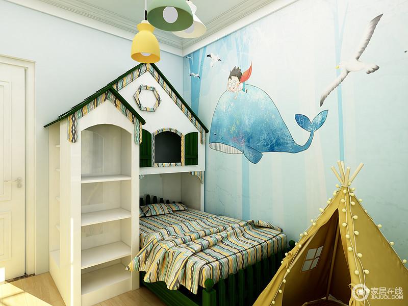 儿童房设计非常具有童话色彩,卡通的墙面,城堡形状的床和帐篷的设计非常符合男孩的冒险的精神。