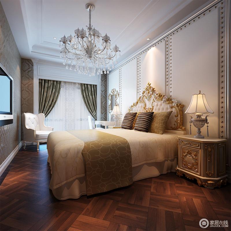 卧室的软包背景墙有着几何的大气,同时因为铆钉的装饰,显得更为精致;水晶灯与欧式台灯调和出温馨之光,搭配欧式家具,透着贵气和华贵,绿色窗帘搭配咖色靠垫调和出清暖。